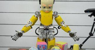 robotlar ile kargo taşımacılığı başlıyor, robot servis elemanları geliyor, robotlar karada hizmet edecek