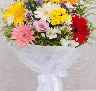 çiçek seçimi yapma, doğum günü çiçeği, doğum günlerinde çiçek seçimi
